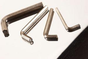 Cómo ajustar la cuchilla de sierra Craftsman