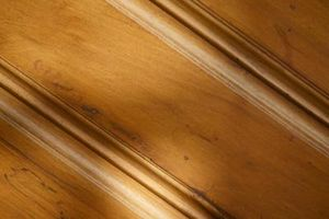 ¿Puedo instalar madera de cedro en el baño?