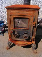 Cómo iniciar un fuego en una estufa de leña