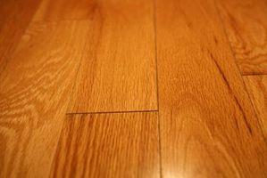 Instalación de piso de madera sobre una losa de