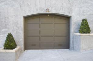 Cómo renovar las puertas de garaje