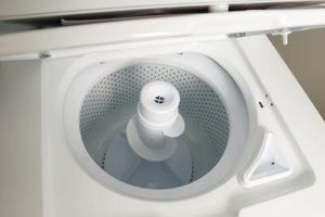 Cómo quitar un agitador de una lavadora de Kenmore 70 Series