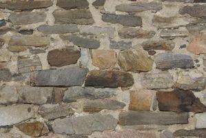 Cómo extender una piedra y mortero pared