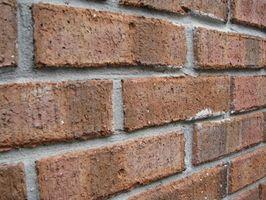 Cómo fijar una chapa del ladrillo si ya está construida la pared