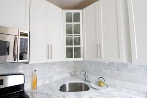 Cómo deshacerse de los gabinetes de cocina de olores