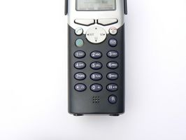 Cómo solucionar problemas de un teléfono de 28031EE3 GE