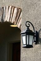 Cómo cambiar una luz de porche