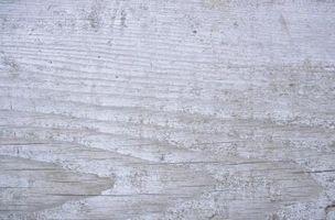 Cómo pintar pino para un blanco lavado mirada