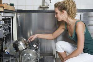 Cómo quitar el conjunto del brazo inferior de lavavajillas Kenmore Ultra Wash