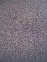 Colores que van bien con alfombra rosa luz en la sala de estar