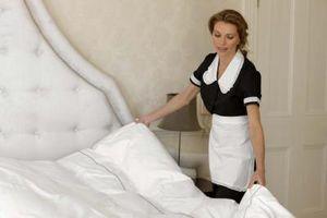 Cómo personalizar una cama blanca