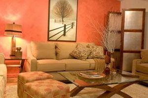 Decoraciones para poner sobre un sofá de la sala de familia