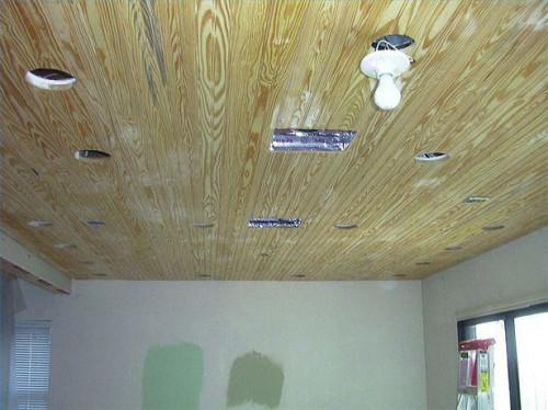 Cómo instalar un techo de porche Beadboard