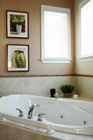 ¿Cómo añadir soporte adicional para una bañera de hidromasaje?