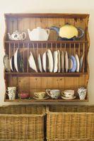 Cómo hacer un estante de placa en un gabinete de cocina existente