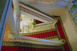 Maneras de poner alfombra en las escaleras