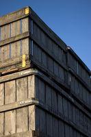 Cómo hacer un armario de cajones de embalaje de madera
