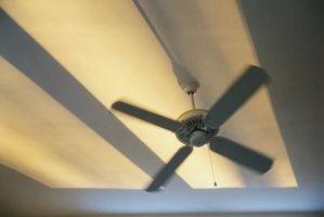 Un olor mohoso en un ventilador de techo nuevo