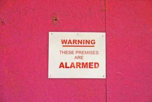 ¿Por qué mantenga sonando el sistema de alarma de casa?