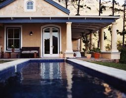 Cómo ocultar calentadores de piscina