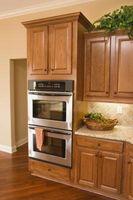 ¿Qué se puede poner encima de los gabinetes de cocina para que se vean bien?