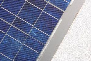 El equipo de seguridad requerido y prácticas al instalar sistemas de energía Solar Fotovoltaica en un tejado