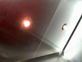 ¿Cómo puedo poner luces empotradas en 44' por 12' sótano?