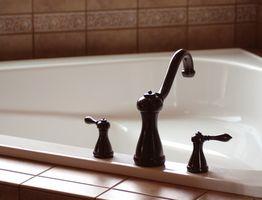 Cómo instalar una bañera de esquina de fibra de vidrio