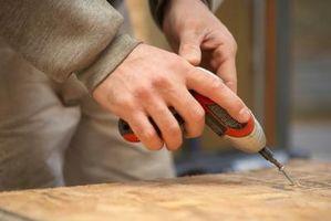 Cómo construir una rampa de madera para un cobertizo