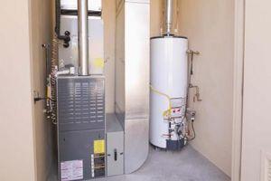 ¿Puedo construir un muro alrededor de mi calentador de Gas y la unidad del calentador?
