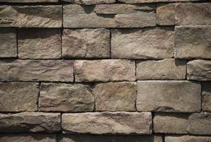 ¿Qué tipos de materiales puedo usar para construir las paredes de mi casa?
