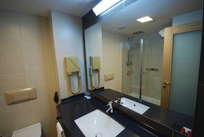 Instalación eléctrica en un cuarto de baño