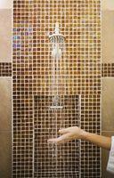 Cómo construir una jabonera con el azulejo de la ducha Extra