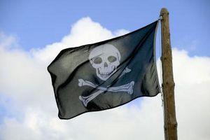 Cómo hacer una cortina de ducha de barco pirata
