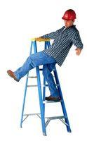 Cómo trabajar con escaleras en terreno irregular