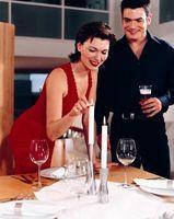 Cómo decorar un comedor para una cena romántica