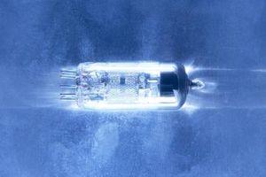 ¿Qué es mejor: Un tubo de vacío o un Transistor?