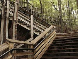 Cómo construir una barandilla de la escalera de cubierta