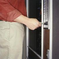 Cómo reparar las teclas de la máquina expendedora