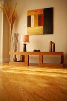 Cómo hacer un aspecto de la habitación más grande con piso Color