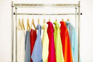 Cómo hacer un estante de la ropa para el garaje