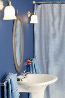 Cómo hacer una barra de cortina de ducha en forma de L