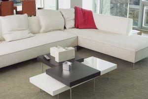 Cómo arreglar un sofá seccional en forma de L en una habitación pequeña