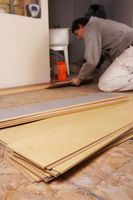 Cómo cortar una pieza de suelo laminado para montar y terminar la última fila
