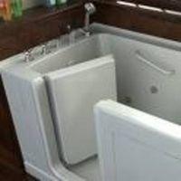 Cómo instalar bañeras para minusválidos