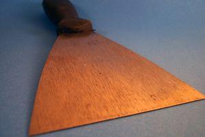 Cómo eliminar la cartilla de marcos de ventana metálica