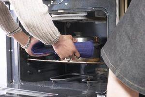 Cómo reemplazar un horno eléctrico para hornear elemento
