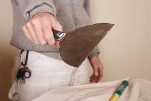 Cómo aplicar yeso barro con herramientas