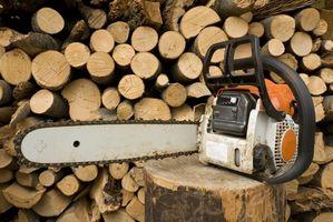 Cómo construir un soporte para cortar madera para el corte de la motosierra
