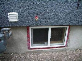 Cómo aislar una ventana del sótano
